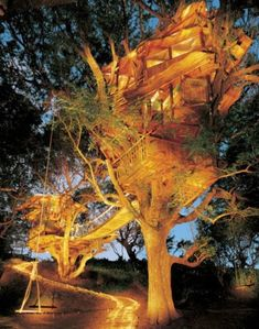 tree houses19 Treehouses you wish were in your backyard (22 photos)