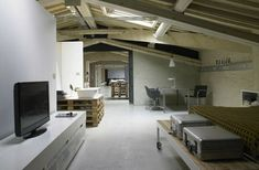 Loft with pallets
