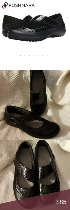 Naot Aroha mary jane flat black leather 41/10-10.5 Treat yourself to comfort