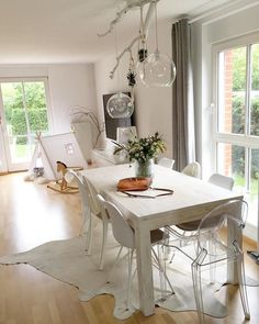 Armchair Louis Ghost  #armchair #ghost #louis Dining Table Chairs, Living Room Chairs, Dining Rooms, Carpet Dining Room, Wooden Tables, Armchair, Home And Garden, Interior Design, House