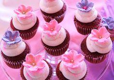 Baby Shower Cupcakes For Girls Baking Cupcakes, Vanilla Cupcakes, Yummy Cupcakes, Filled Cupcakes, Mini Cupcakes, Flower Cupcakes, Birthday Cupcakes, Paper Cupcake, Cupcake Cakes