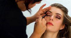 Maquilladora y Peinadora profesional entrega servicios de Maquillaje, Peinado…