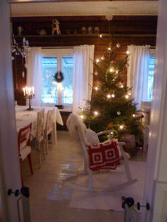 Christmas photos from Red House in the Country Punainen talo maalla as seen on the Oaxacaborn blog