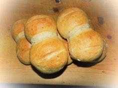DDR Brötchen unschlagbar im Geschmack Bread Man, Ton, Tasty Bread Recipe, Bread Recipes, Baking Recipes, Snack Recipes, Snacks, Skillet Cooking, Cooking Bread