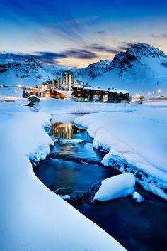 Evening landscape and ski resort in French Alps,Tignes, Tarentaise, France лучшие курорты Франции Best Ski Resorts, Best Vacation Destinations, Best Vacations, Ski Vacation, Alpine Adventure, Adventure Travel, Hello France, Go Skiing, Skiing Colorado