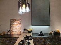Jakie wnętrza będa modne w 2020 roku? | carrea.pl Conference Room, Metal, Table, Furniture, Home Decor, Decoration Home, Room Decor, Metals, Tables