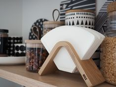 PIENIÄ HANKINTOJA KEITTIÖÖN Nordic Home, Nordic Interior, Minimalist Interior, Home Interior Design, Coffee Filter Holder, Coffee Desk, Build Your Own House, Minimal Decor, Dream House Plans