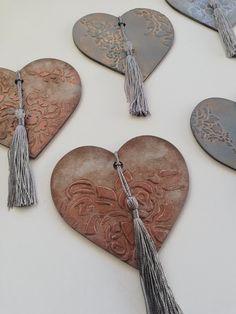 Clay Crafts, Wood Crafts, Diy And Crafts, Arts And Crafts, My Funny Valentine, Valentines, Ideas Decoracion Navidad, Wedding Present Ideas, Christmas Decoupage
