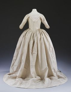 1779, United Kingdom - Wedding dress - Silk and linen, hand woven and hand sewn, silver