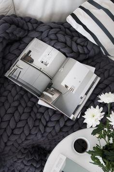 Chunky wool blanket by Ohhio. Photo Decordots