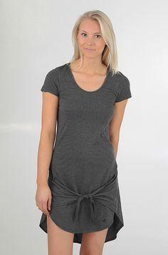 Volcom Knotty Girl mekko Black 39,90 € www.dropinmarket.com
