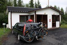 Napapiirin seikkailijat löysivät majapaikan Rovaniemeltä Rova-Hotellista, josta löytyy 12 motellihuonetta ja 20 erikokoista mökkiä
