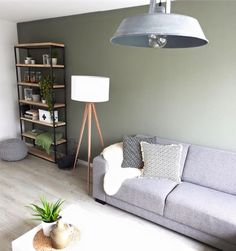 histor parallel in fris witte woonkamer gardenliving Living Room Green, Living Room Tv, Living Room Kitchen, Living Room Inspiration, Interior Inspiration, Home Decor Styles, Home Interior Design, Living Room Designs, Decoration