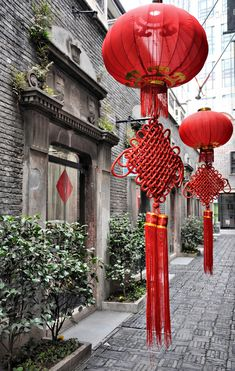 Taken by Delphine, Xintiandi, French concession, Shanghai, February 2010. notrechine.uniterre.com