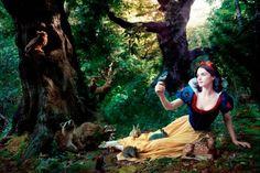 Rachel Weisz - Annie Leibovitz, Disney Dream Portrait: Rachel Wesiz as Snow White. Annie Leibovitz s Disney Dream Portraits. Welcome to the MouseInfo Photo Gallery. Disney Usa, Walt Disney, Disney Parks, Disney Love, Disney Magic, Disney Resorts, Disney Bound, Disney Style, Tiana Disney