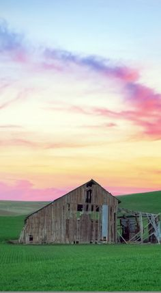 On the Palouse, Washington USA - Sunset - Travel Photography