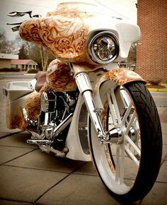 Harley Davidson Street Glide Custom Bagger White Diamond Pearl W Cognac Tattoos