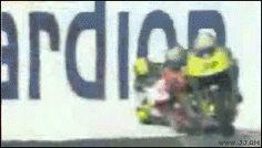 Corrida de Moto Velocidade–Batidas e Acidentes Motorcicletas