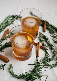 Cinnamon Rosemary Old Fashioned | http://saltedplains.com