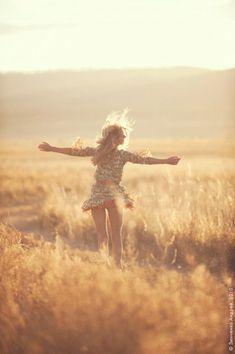 Barefoot Wanderer, Freedom, Travel, Free Spirit, Gypsy Wanderlust.    Pinned By:  Live Wild Be Free  www.livewildbefree.com  Cruelty Free Lifestyle & Beauty Blog.  Twitter & Instagram @livewild_befree  Facebook http://facebook.com/livewildbefree