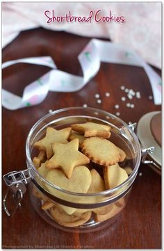 Shortbread Cookies Recipe - Easy Eggless Vanilla Cookies with just 5 ingredients just melts in your mouth. No eggs cookies recipes No Egg Cookie Recipe, Easy Shortbread Cookie Recipe, No Egg Cookies, Easy Cookie Recipes, Sugar Cookies Recipe, Donut Recipes, Shortbread Cookies, Biscuit Recipe, Snack Recipes