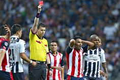 CHIVAS SE QUEDA SIN PEREIRA Y VÁZQUEZ PARA LA JORNADA 3 El defensor Jair Pereira ha sido disciplinado desde que llegó a Guadalajara, fue expulsado por segunda vez desde que es Chiva.