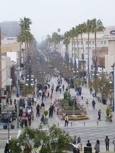 3rd Street Pedestrian Mall - Santa Monica