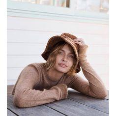 Lara Worthington for InStyle Australia Lara Worthington, Garance, Interesting Faces, Runway Models, Pretty Face, Stylish Outfits, Supermodels, Fashion News, Pop Culture