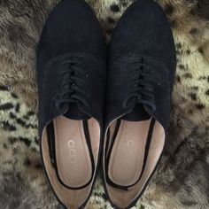 Cute Aldo urban lace up shoes !! Lightly worn.. Everyday shoe.. Does not come with box.. ALDO Shoes Flats & Loafers