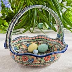 Polish Stoneware Basket   I would love to have this as my Easter Basket. ;-)