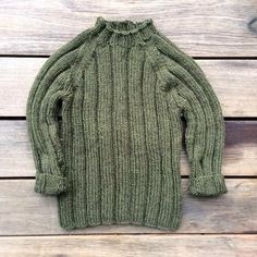 Olive's Chunky Rib is a simple and classic sweater.The sweater is knitted in t. - Knitting patterns, knitting designs, knitting for beginners. Knitting For Kids, Knitting For Beginners, Baby Knitting, Jumper Knitting Pattern, Knitting Patterns, Olive Jumpsuit, Toddler Sweater, Chunky Wool, Knitting Designs