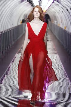 Vestido rojo de Mango.