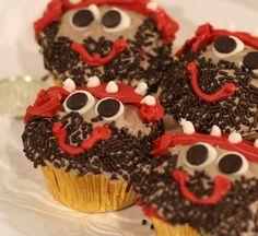 Argh Matey, Pirate Cupcakes - Scissors & Spatulas {and everything in between}Scissors & Spatulas {and everything in between}