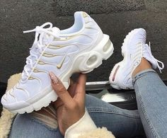 5e67c06be85 cheap nike air max plus se womens red stardust sale online