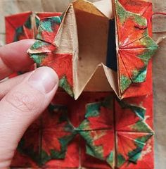 Making a Zhen Xian Bao/Chinese Thread Book Chinese Paper Folding, Japanese Paper, Origami Stars, Origami Flowers, Origami Instructions, Origami Tutorial, Origami Ball, Origami Boxes, Origami Paper