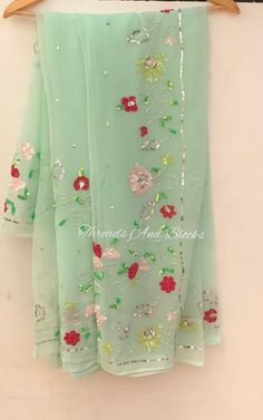 Hand Embroidery Dress, Embroidery Suits Design, Embroidery Fashion, Embroidery Designs, Gota Patti Saree, Simple Kurta Designs, Wedding Lehenga Designs, Indian Gowns, Indian Wear