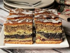 Kolač sa makom i orasima - kuhinja Podkarpackie Quiche, Delicious Desserts, Yummy Food, Polish Recipes, Fabulous Foods, Cakes And More, Yummy Cakes, How To Make Cake, Sweet Tooth