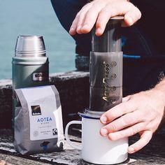 Pressing a cup |  TAG your coffee friend! |  Shop NOW  @originalaeropress Link in Bio  by @jasonckelly by originalaeropress