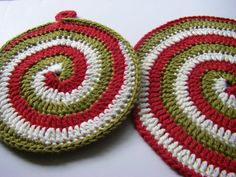 *Please note! -- This is not a tutorial for this spiral technique. It is just pics of my progress in making this pot holder.  Sorry...