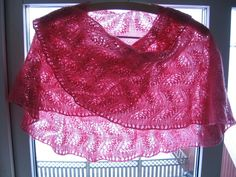 lace knitted shawl patterns free easy | Pink and Barbara: Japanese Feather and Fan shawl