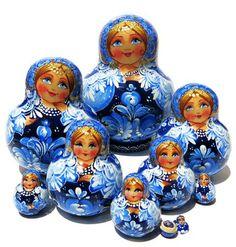 Snowflakes 10-Piece Nesting Doll Set
