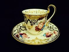 Coalport c.1820 YOU WON'T BE STACKING ANOTHER CUP ON TOP OF THIS ONE (look at the handle)
