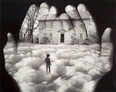 Forty years ago, Jerry Uelsmann was an avant-garde photographer, using multiple negatives in a darkroom to create a single print that juxtaposed images in a strange, surreal way. Jerry Uelsmann, Photography Classes, Photography Projects, Photography 2017, Image Photography, Photomontage, Photo Exhibit, Kunst Online, Images Vintage