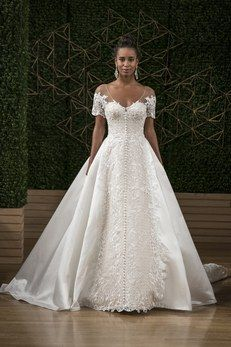 Wedding Dress Photos & Ideas | Brides