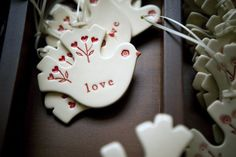 Details from the Brisbane studio of Kylie Johnson – aka Paper Boat Press Love these new kitchen / homemade food tags! Paper Boat Press makes the most exquisite Christmas ornaments every year Kylie Johnson has been on my radar for quite some time – she's one of those clever creatives with a distinct style that …