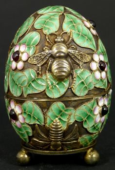 Enamel egg with bees