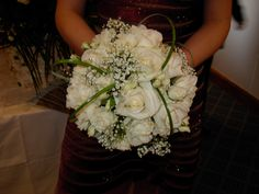 Akito rose, gypsophilia and looped bear grass bouquet