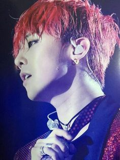 he is so hot with his red hair ;;