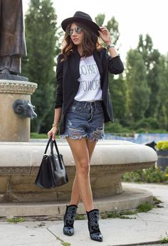 21 Flattering Outfits To Wear This Spring | Pinkous