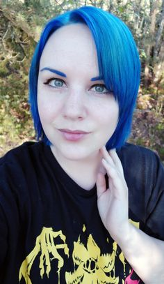 The bluest of blue hair!